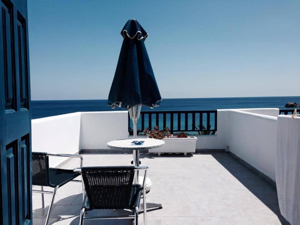 A balcony or terrace at Ardani Bay Studios