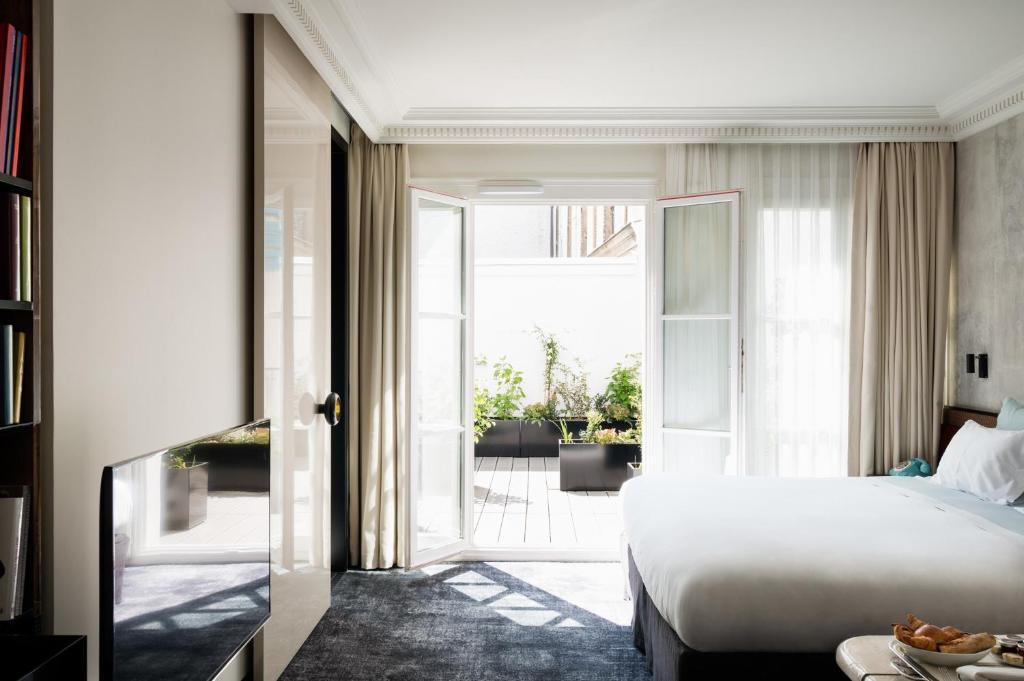 Les Bains Hotel