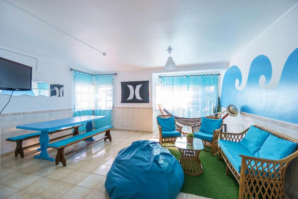 H o surfguide hostel baleal u prezzi aggiornati per il
