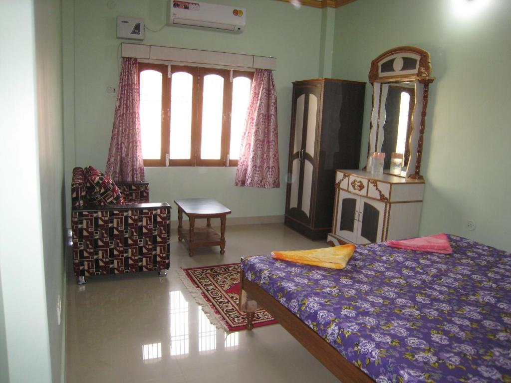 krishna paying guest house, varanasi, india - booking