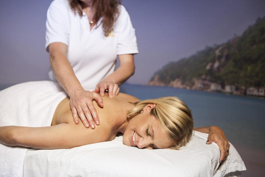 omovies massage spa göteborg