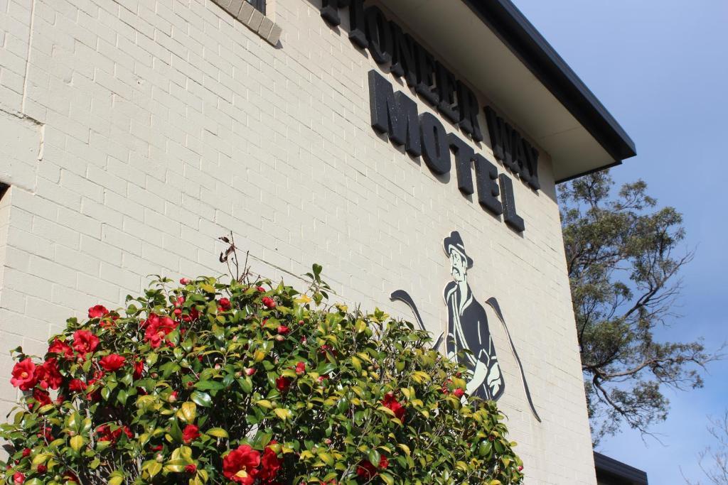 The Pioneer Way Motel