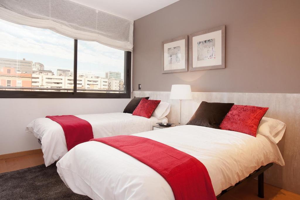 Rent Top Apartments Olympic Village imagen