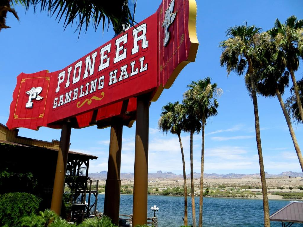 Pioneer hotel gambling hall laughlin gta sa gambling skill