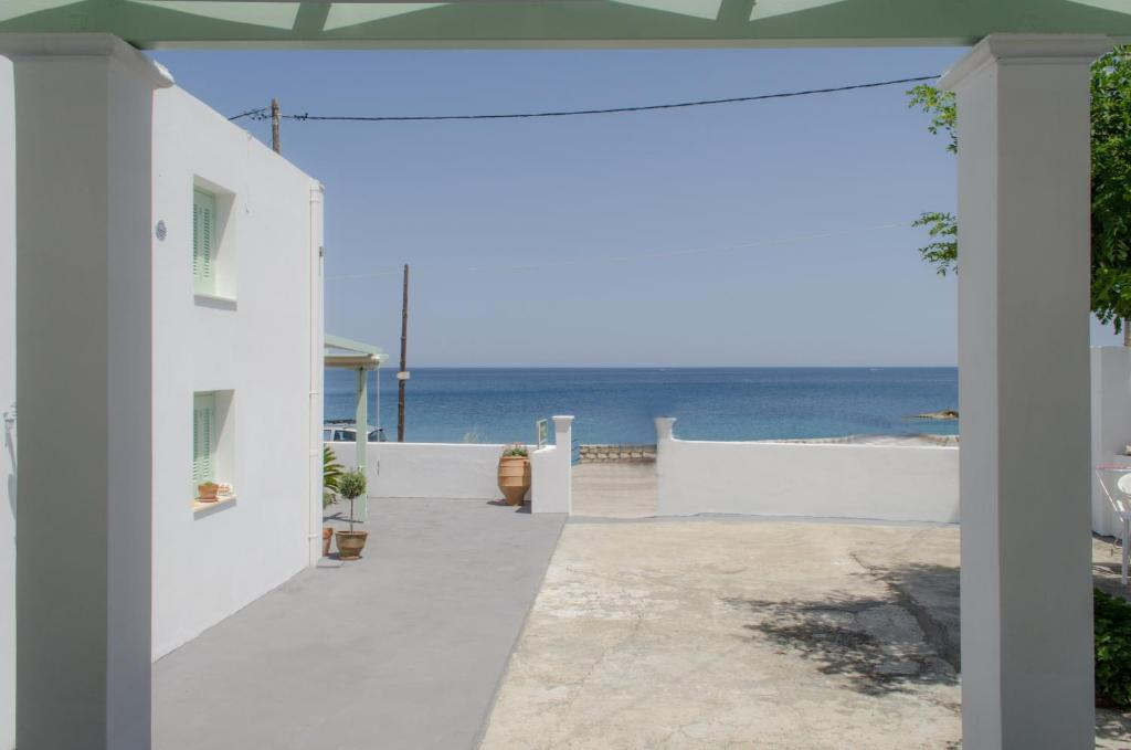 Rent a car in the island of Skyros tips reviews