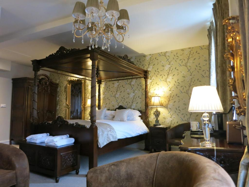 Logis Hotel De France La Chartre Sur Le Loire #6: Gallery Image Of This Property