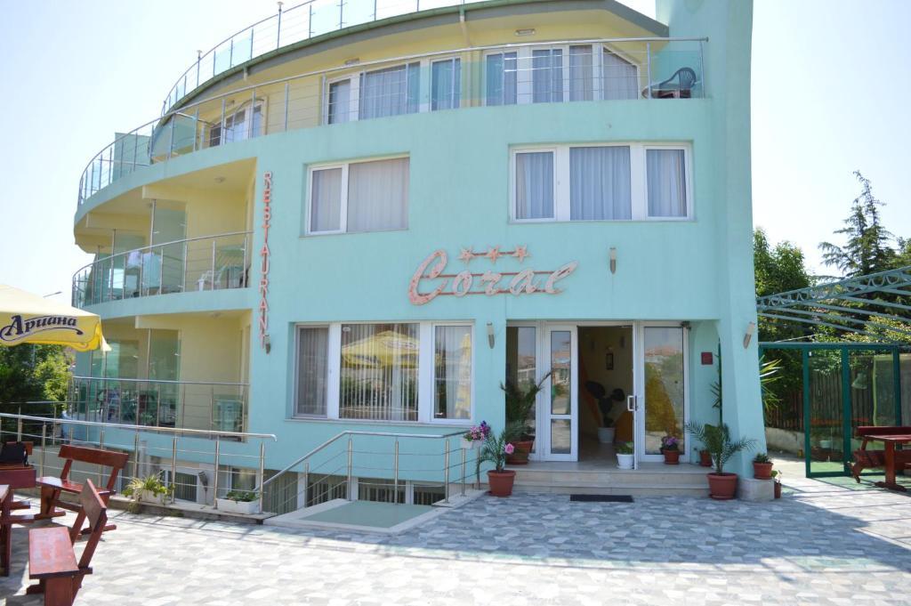 Хотел Семеен Корал - Созопол