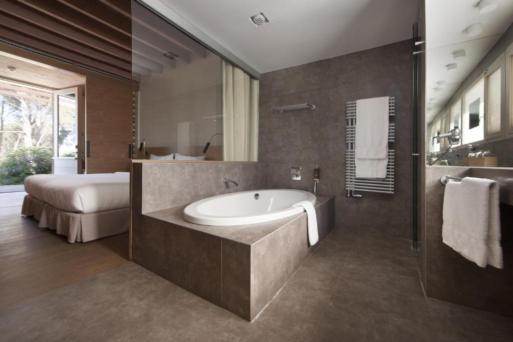 boutique hotels in girona  141
