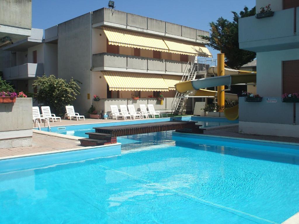 Holiday Club Residence (Italia Alba Adriatica) - Booking.com