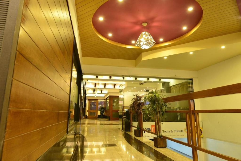 The lobby or reception area at Kohinoor Hotels