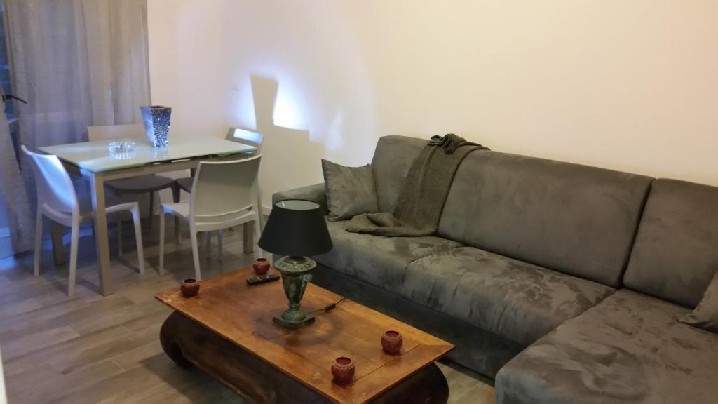 Appartamento Moderno Trilocale (Italia Sesto San Giovanni) - Booking.com