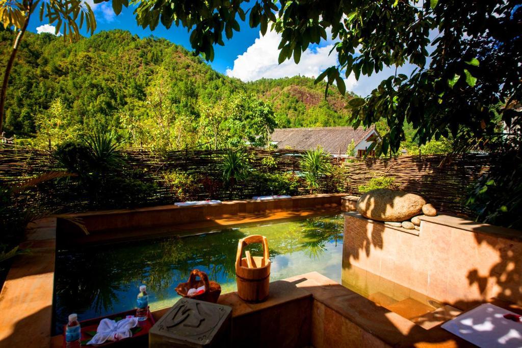 Jade Hot Spring Hotel, Tengchong, China - Booking.com