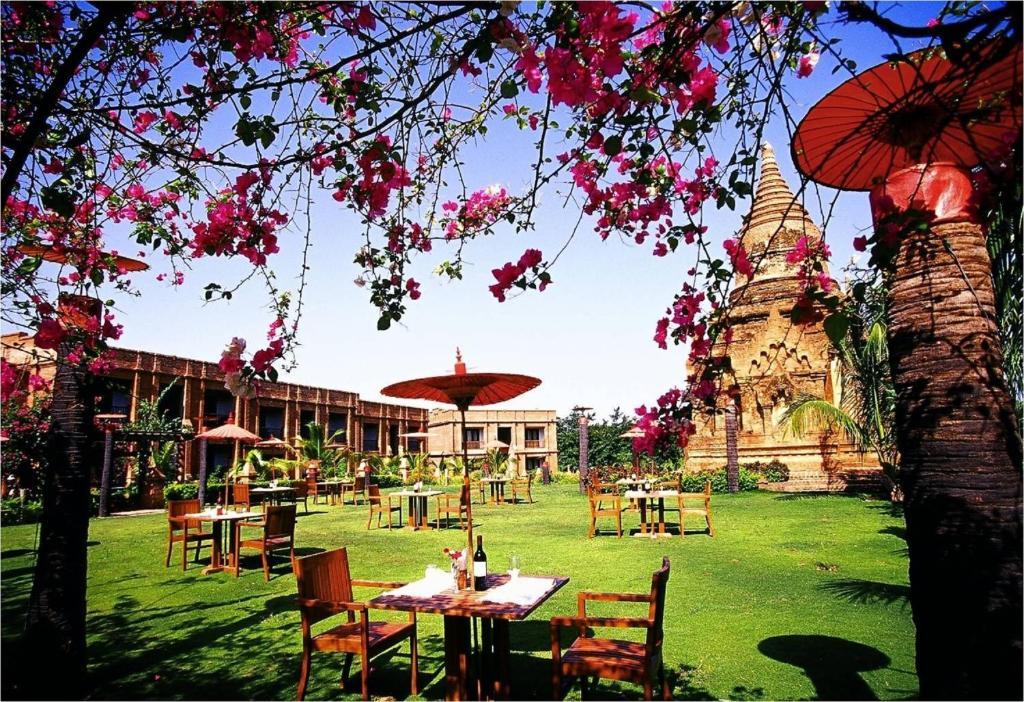 Jardin de l'établissement Thazin Garden Hotel - Bagan