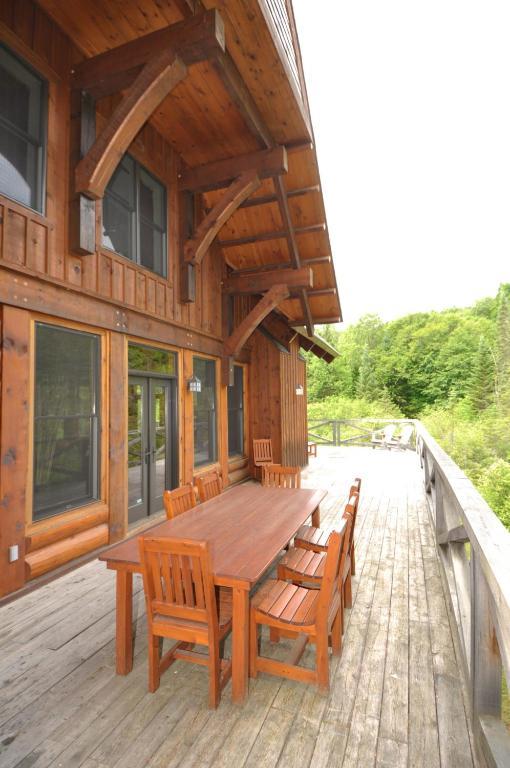 Tremblant Mountain Chalet, Lac-Superieur, Canada - Booking.com
