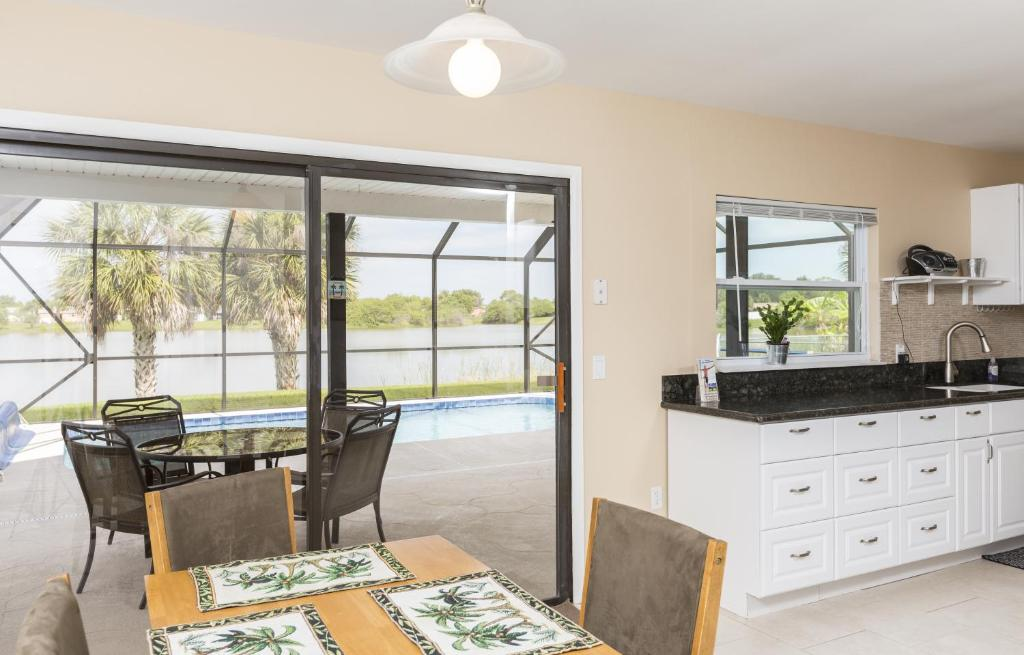 Vacation Home Addy by the Lake, Port Charlotte, FL - Booking.com