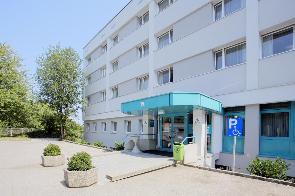 properties Studenten kennenlernen münchen opinion the theme