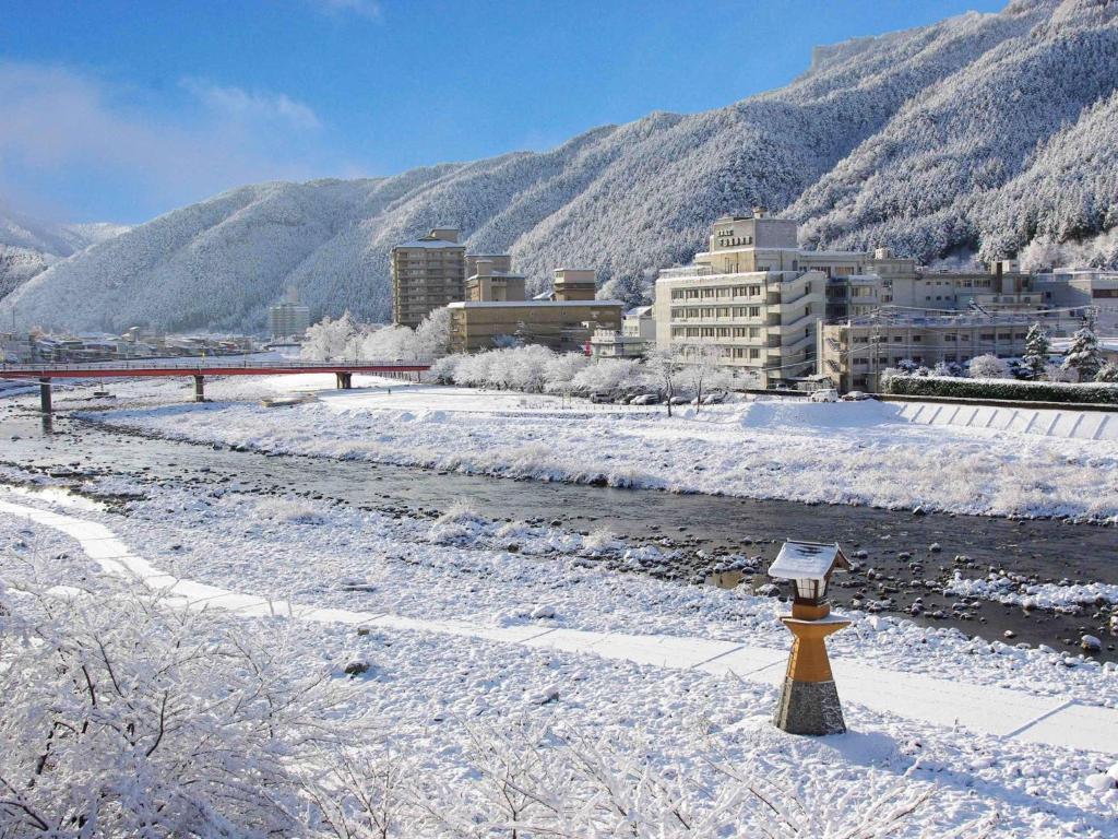 記念日におすすめのホテル・下呂温泉 悠久の華の写真1