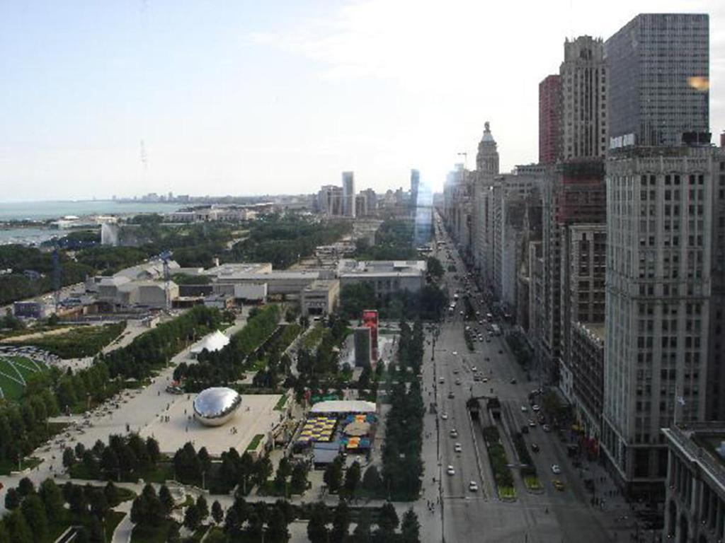 Downtown Chicago, IL Hotel near The Riverwalk | Hyatt ...