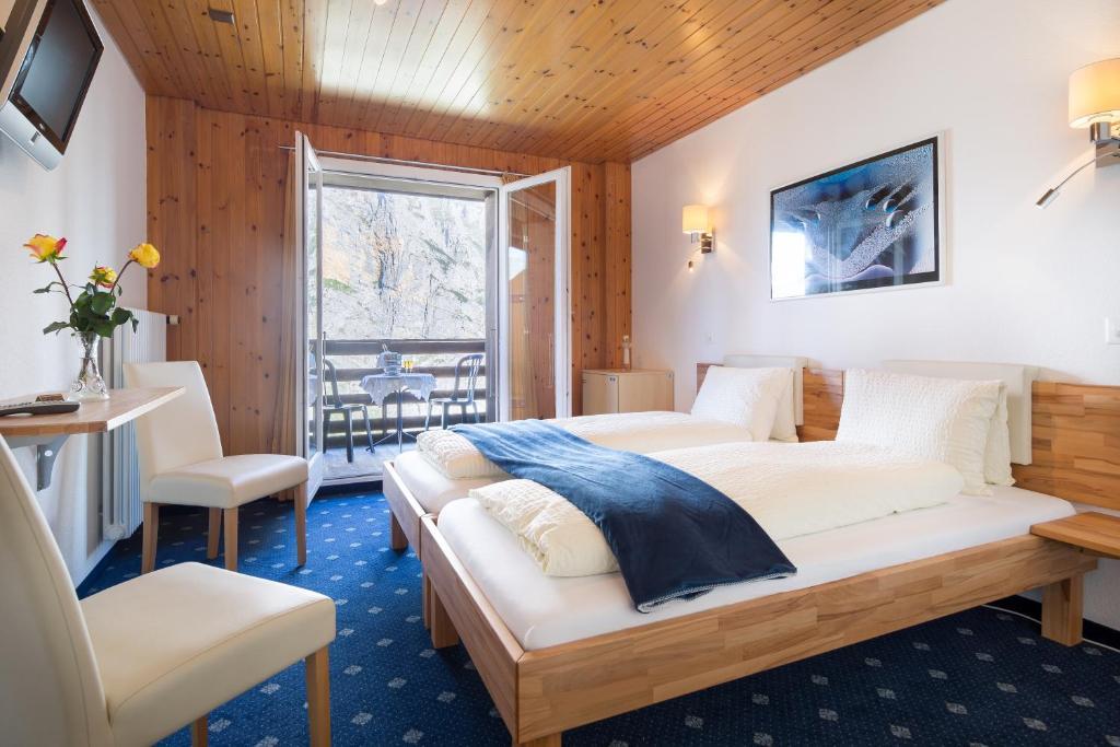 Hotel Alpina Mürren Switzerland Bookingcom - Hotel alpina murren switzerland