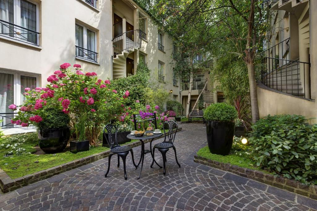 Hotel Le Patio Bastille Paris France Bookingcom