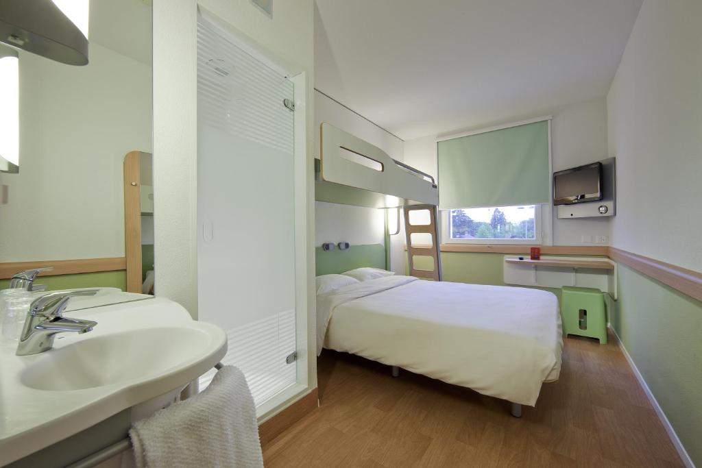 Hotel ibis budget Basel Pratteln, Switzerland - Booking.com