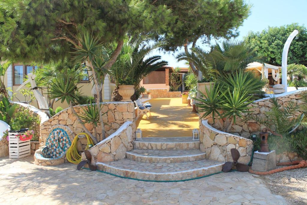 Hotel Luagos Club, Lampedusa, Italy - Booking.com
