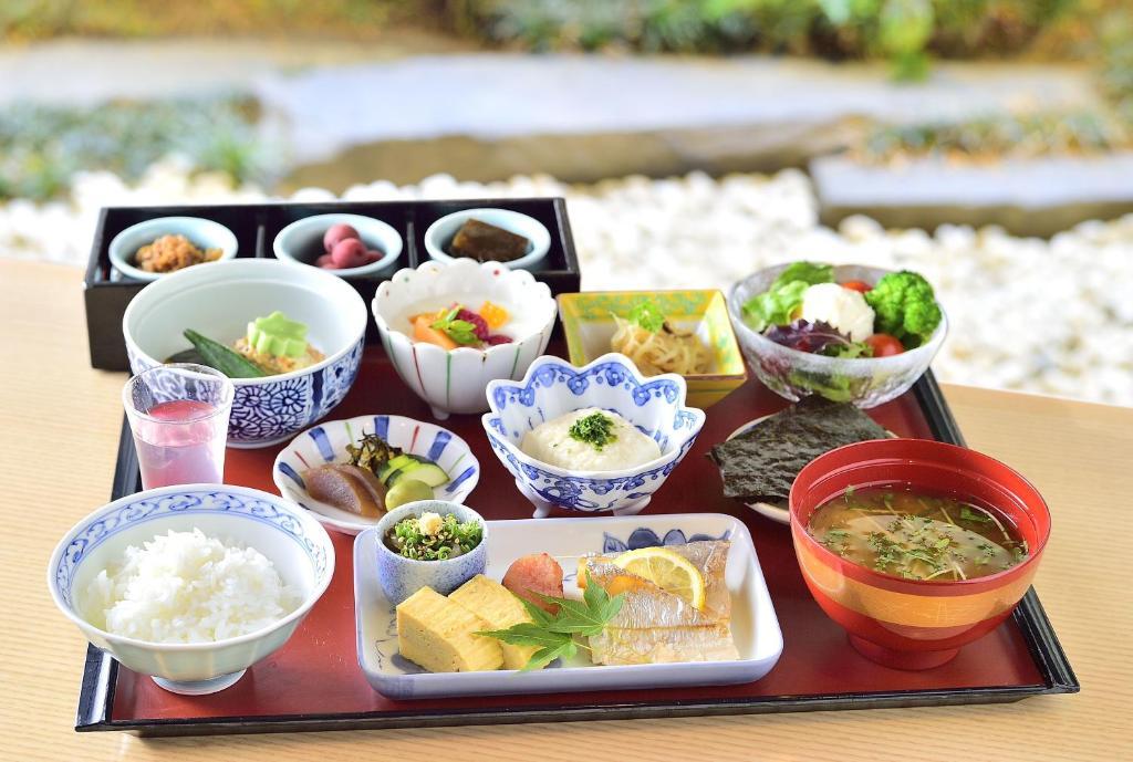 ポイント3.日本人でも食べやすい!中国料理「鴻臚」
