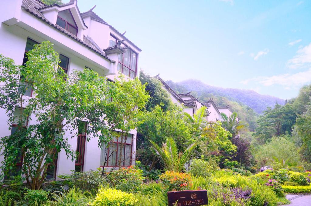 Rehai Meinvchi Hot Spring Hotel Tengchong China Booking