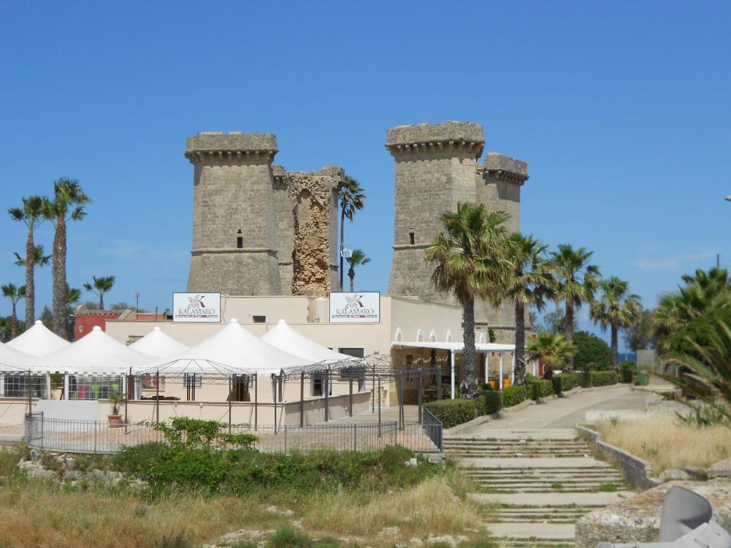 Apartment Quattro Colonne di fronte al mare, Santa Maria al Bagno ...