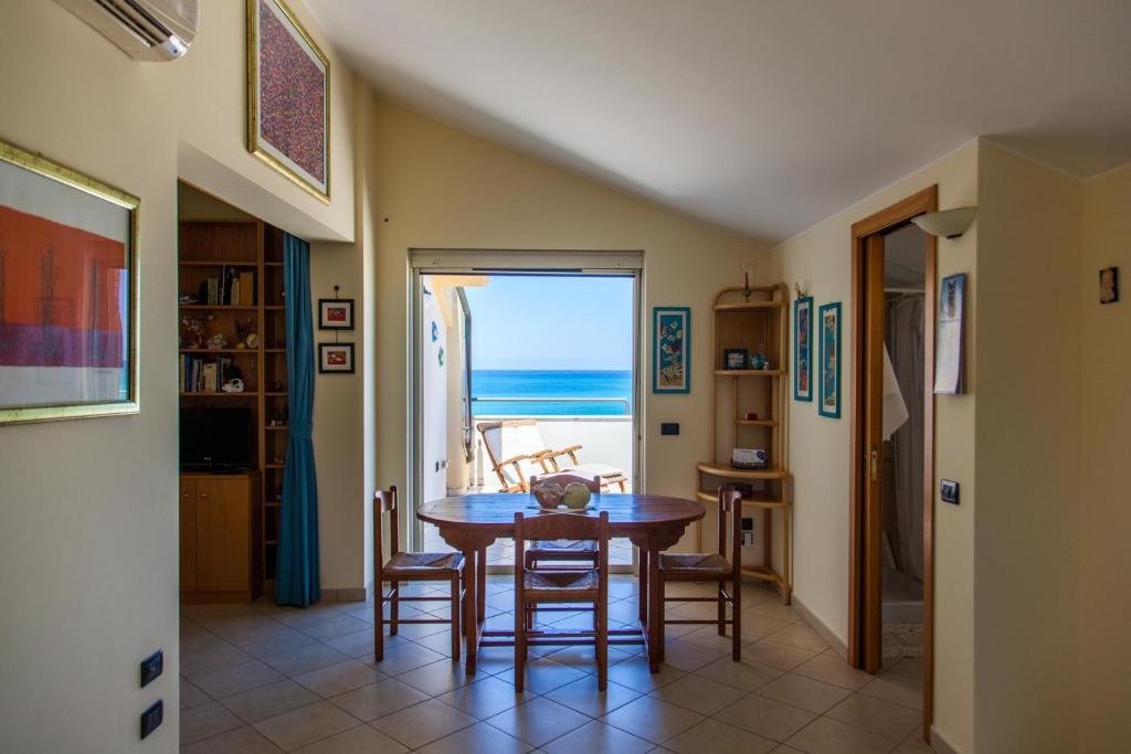 Apartment La Terrazza sul Mare, Sant'Agata di Militello, Italy ...