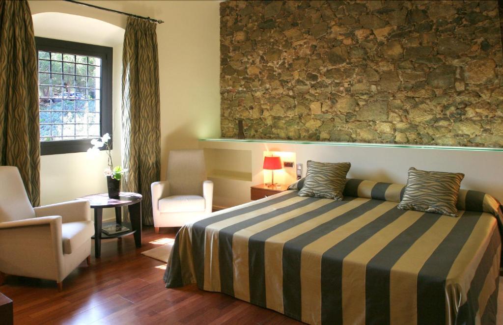 Hotel Castell de l'Oliver 16
