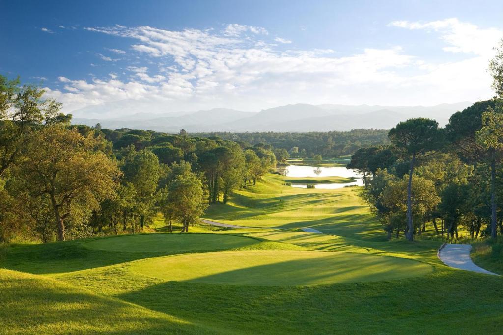 Luxury 5 bed villa at PGA Catalunya Resort fotografía