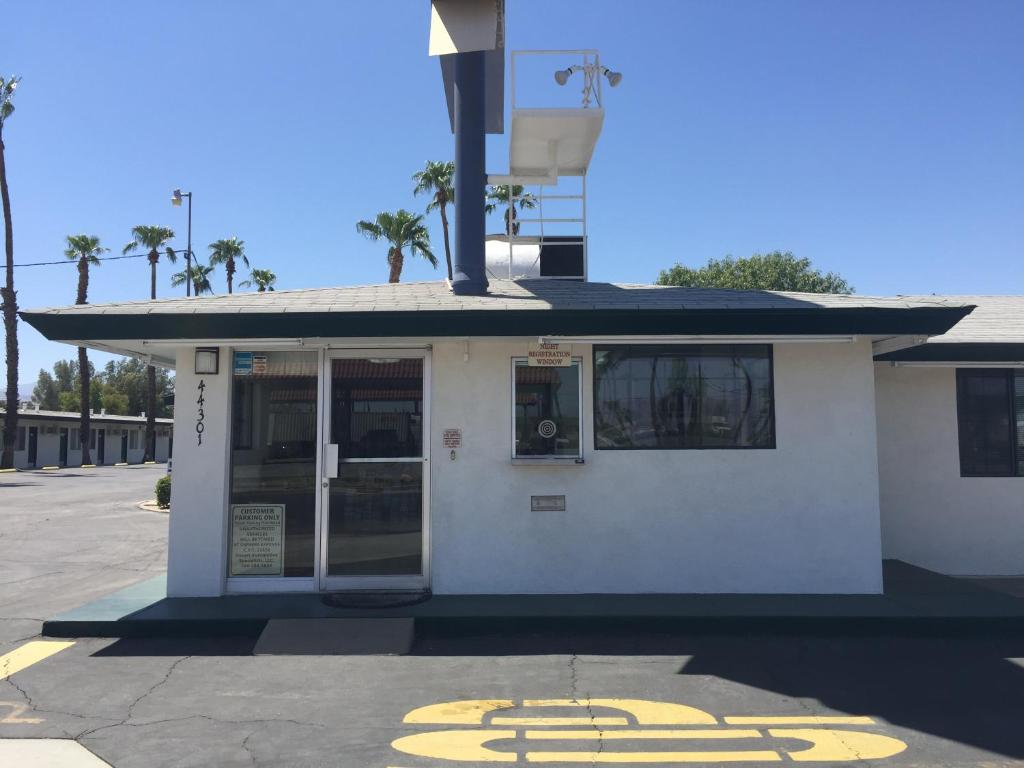 Indio Holiday Motel Reserve Now Gallery Image Of This Property