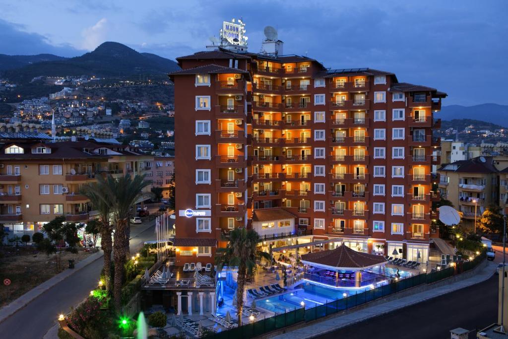 Villa moonflower aparts suites alanya turkey for Park suite appart hotel