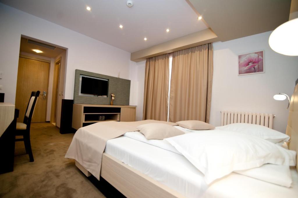 Hotel Nova Târgovişte Romania Bookingcom