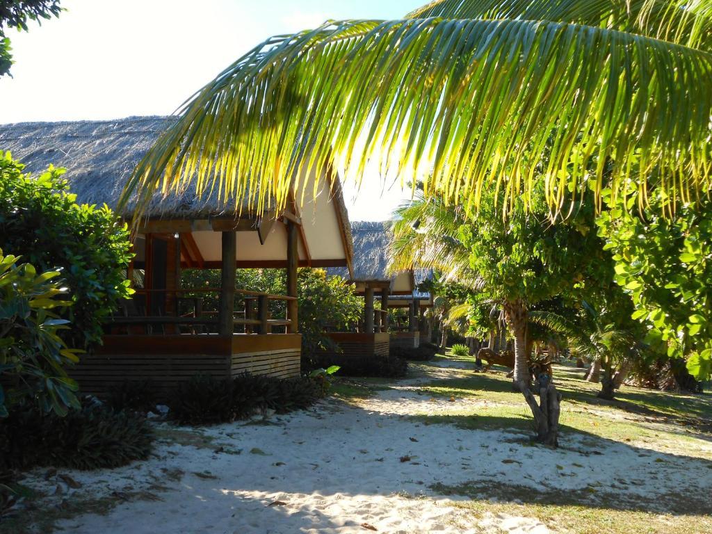 Viwa island resort wedding