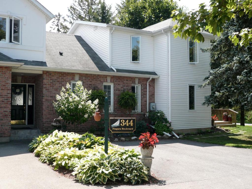 brock hollow bed and breakfast, niagara-on-the-lake, canada