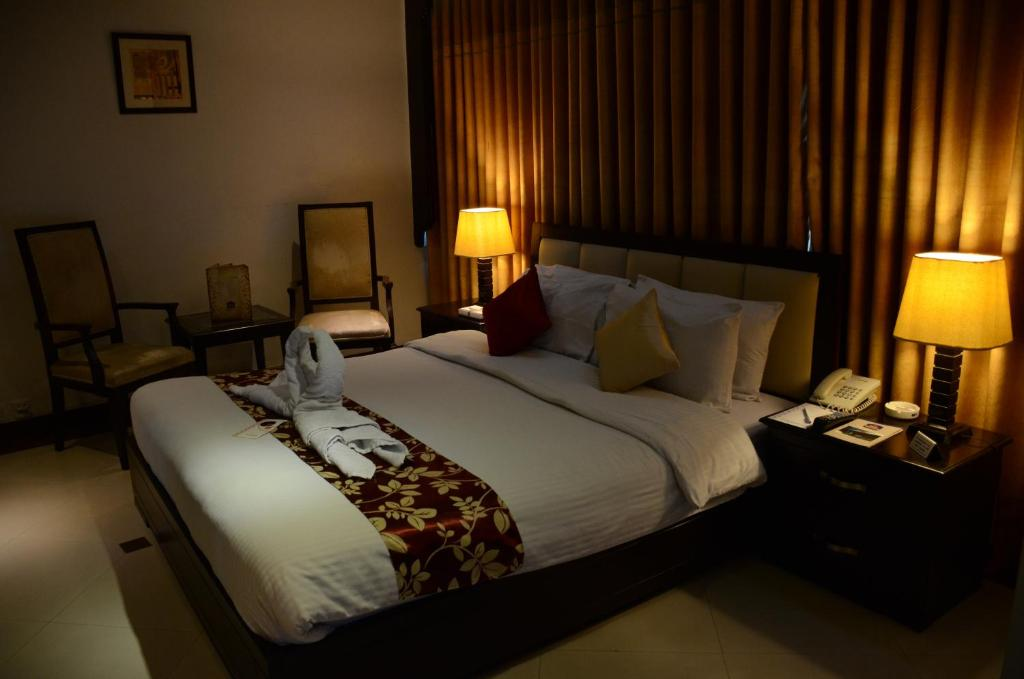 dating hotels in lahore 56 restaurants in lahore-recommended best family restaurants places and parks to visit restaurants in lahorelahore is city where every family makes a plan to go for a walk, to get in restaurants to visit the best place for spending good time with family every day or a week.