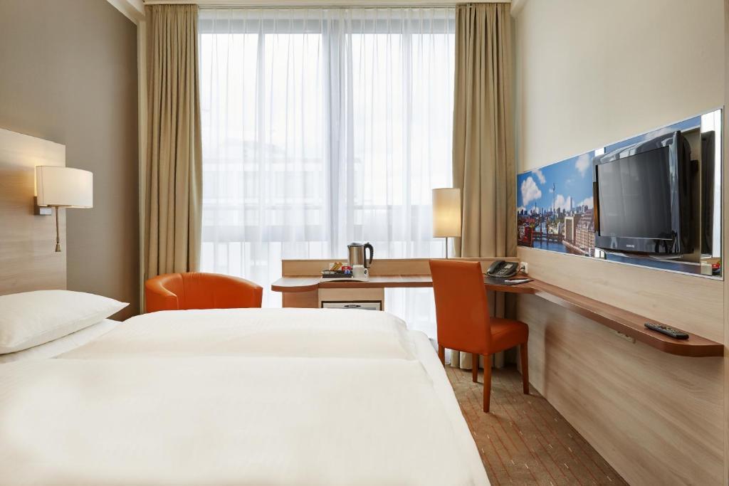 15 hoteles de lujo en berlin viajar sin destino for Komfortzimmer motel one