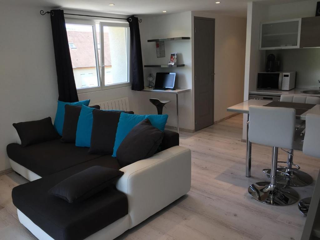 Apartments In Oucques Centre
