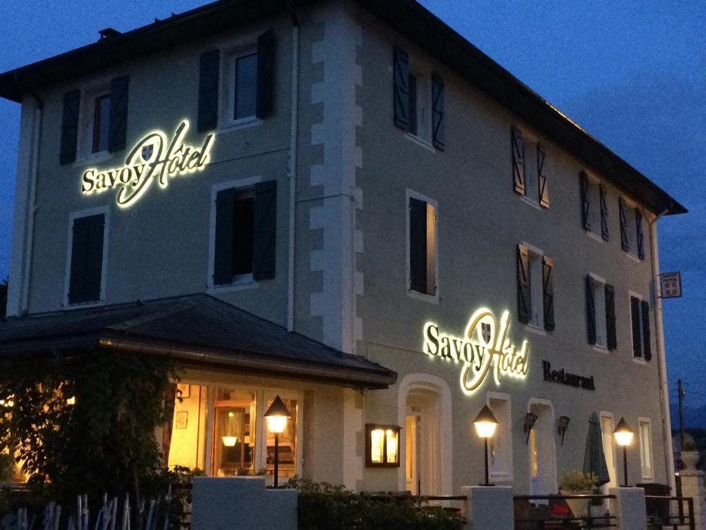 Savoy hotel france le bourget du lac for Reservation hotel france