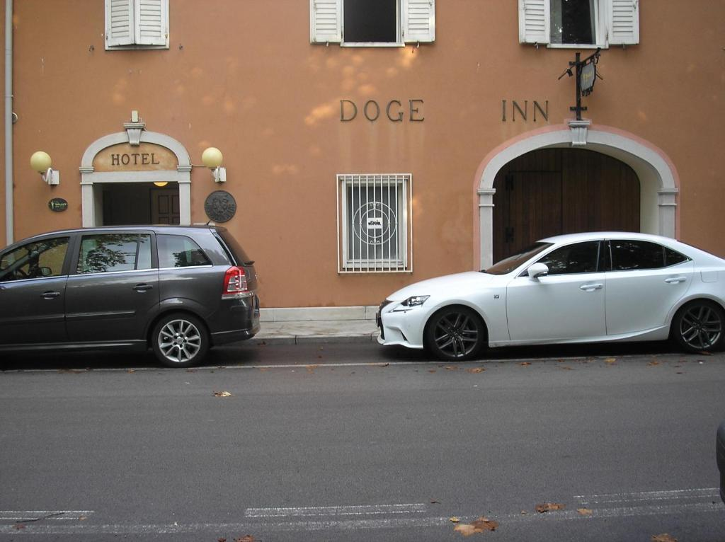 Doge Inn