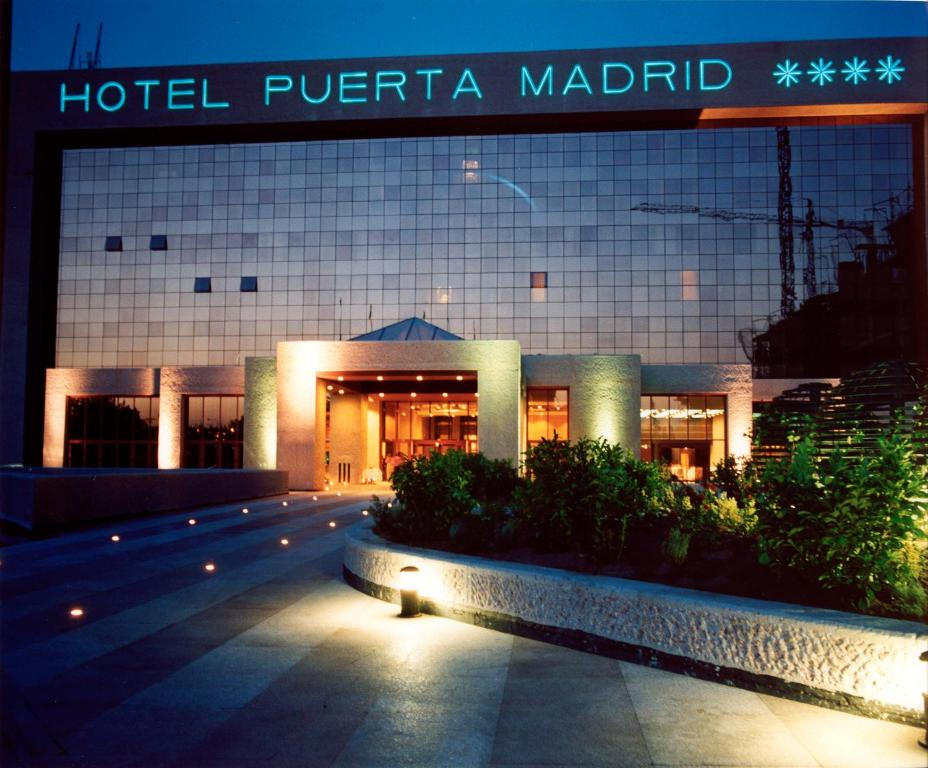 Hotel silken puerta madrid spain for Hoteles vanguardistas en madrid