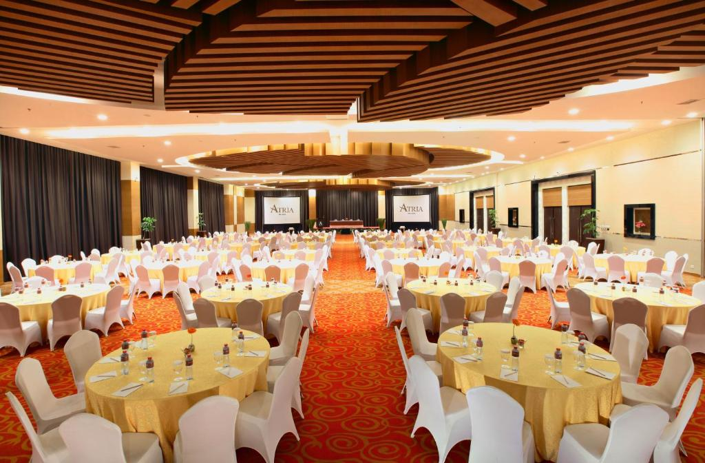 Atria hotel malang indonesia booking junglespirit Images
