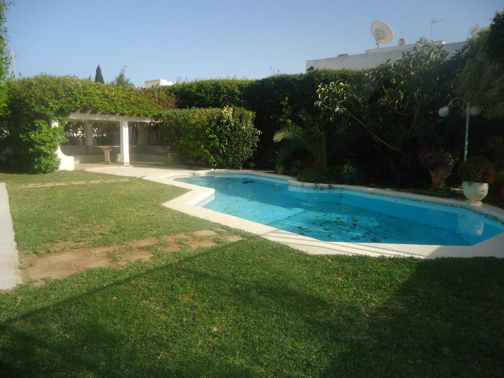 Maison avec piscine tunisie maison moderne for Piscine demontable tunisie