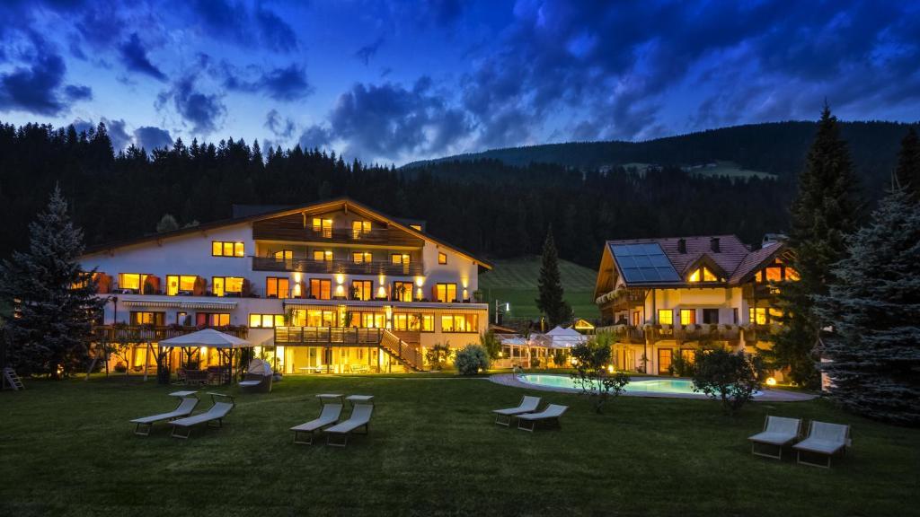 Helmhotel (Italia San Candido) - Booking.com