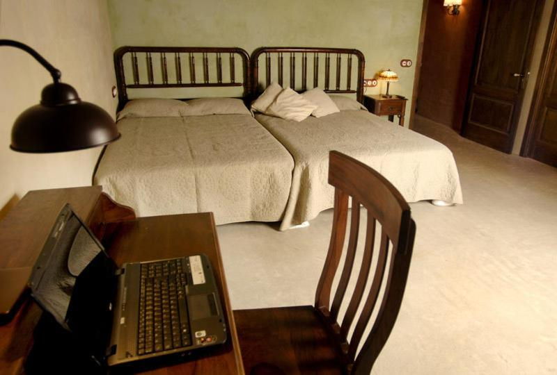 boutique hotels in cardona  32