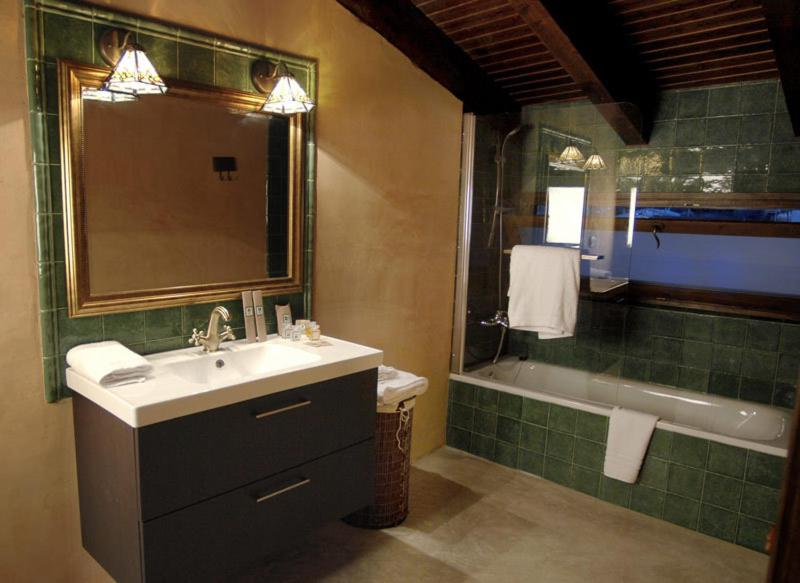 boutique hotels in cardona  35
