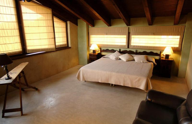 boutique hotels in cardona  30