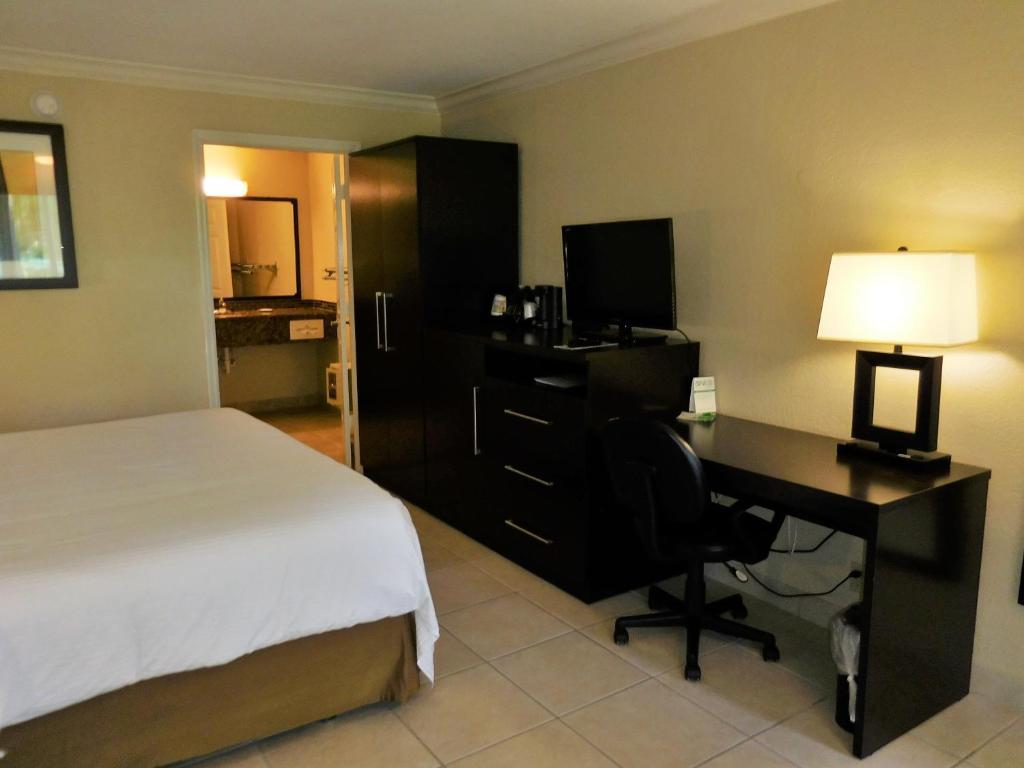 hotel hi fort myers beach fl booking com